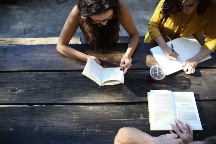 英語コーチングスクールとは?専属トレーナーが付き、通常の英会話スクールより効率的に学べるスクール